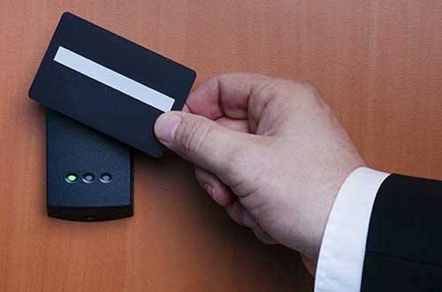 کنترل تردد افراد و دسترسی access control